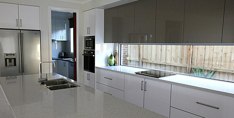 Kitchens melbourne kitchen design melbourne kitchens for 2 pac kitchen cabinets